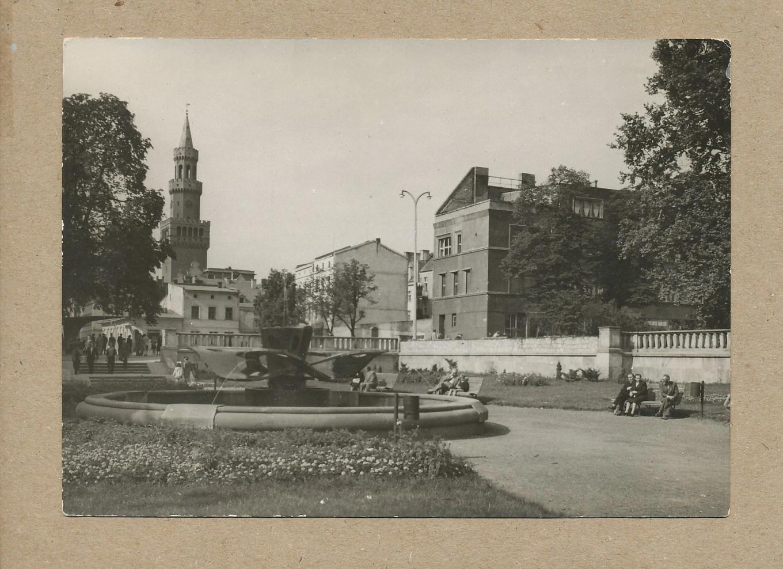 OPOLE - PLAC WOLNOŚCI FONTANNA 1959 R.
