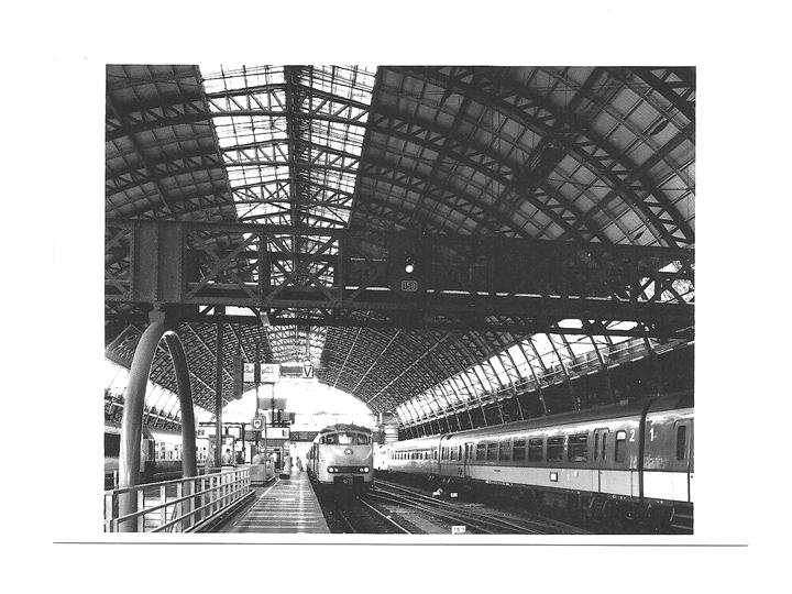 Pocztówka - Wjazd pociągu na dworzec w Amsterdamie
