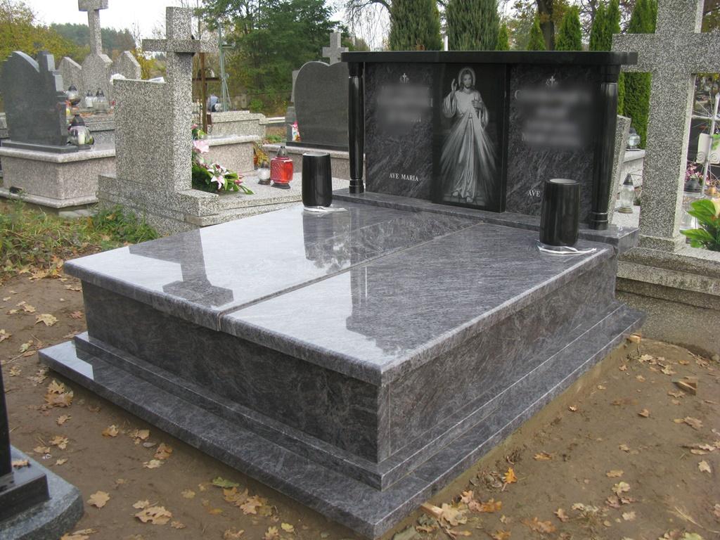 Item MONUMENT TOMBSTONE HEADSTONE MONUMENTS PIECE