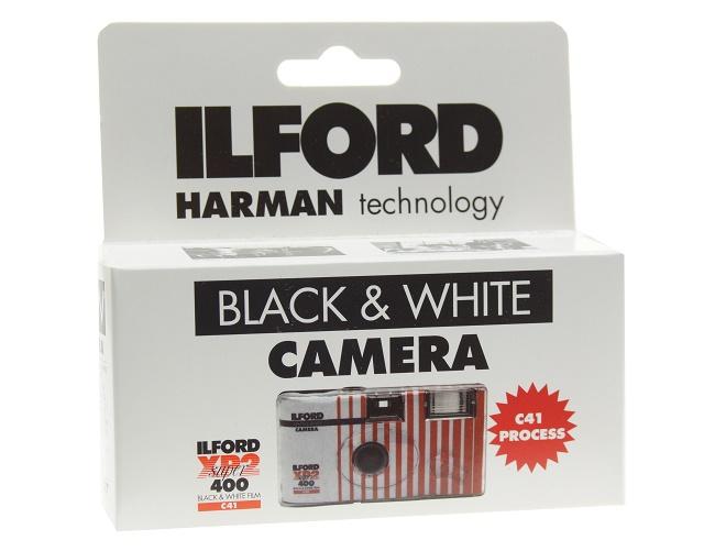 Fotoaparát s lampou Filmom B & W Ilford XP2 400/27 Lomo