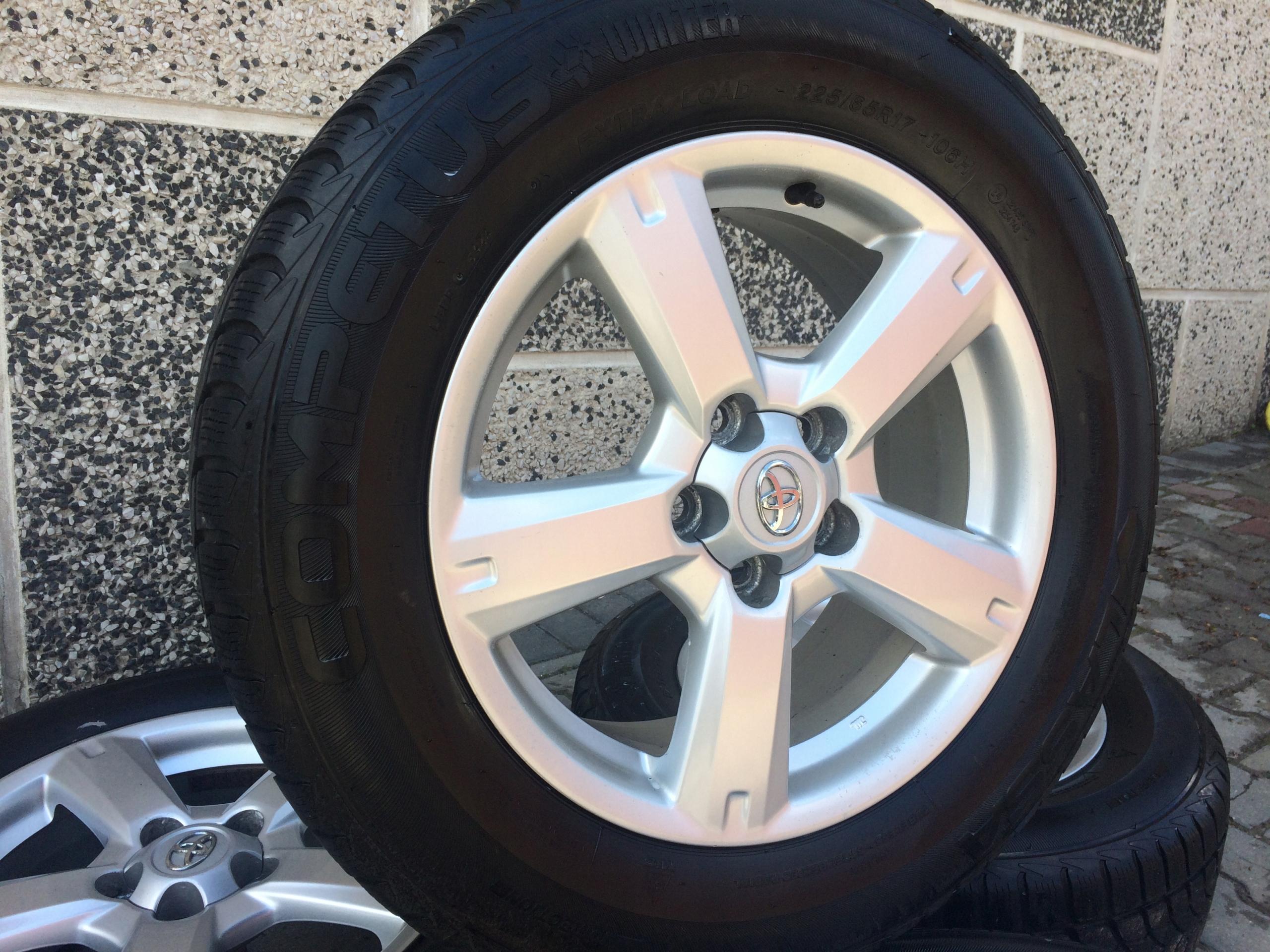 Opony Zimowe 17 Toyota Rav4