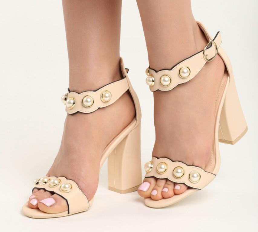 8ac634ae9589b6 Beżowe sandały perełki nowe 38 24,5 cm słupek - 7400497567 ...