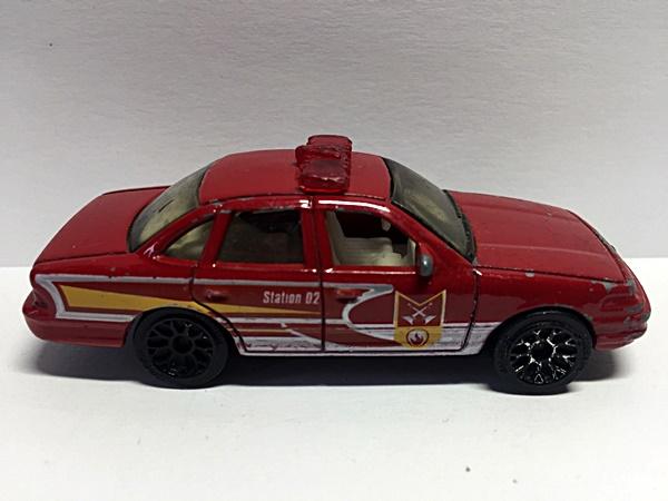 matchbox ford crown victoria 1996