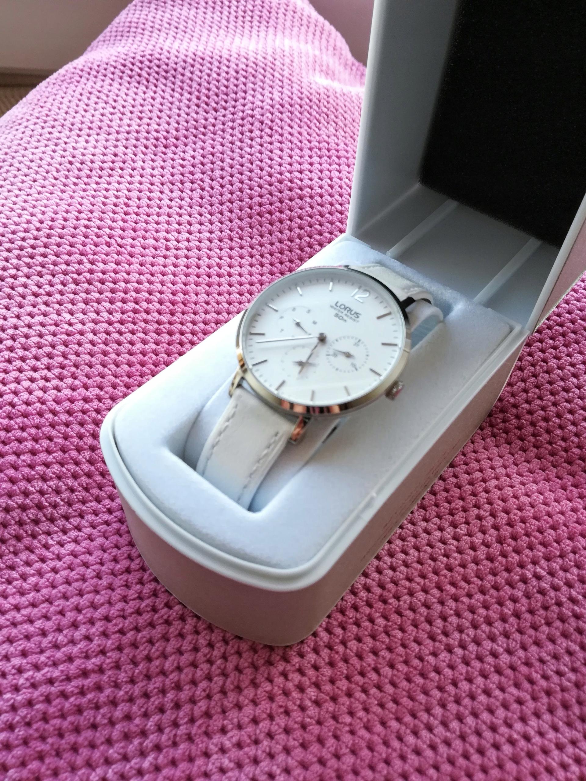 Zegarek LORUS Subtelny Klasa Skórzany Biały
