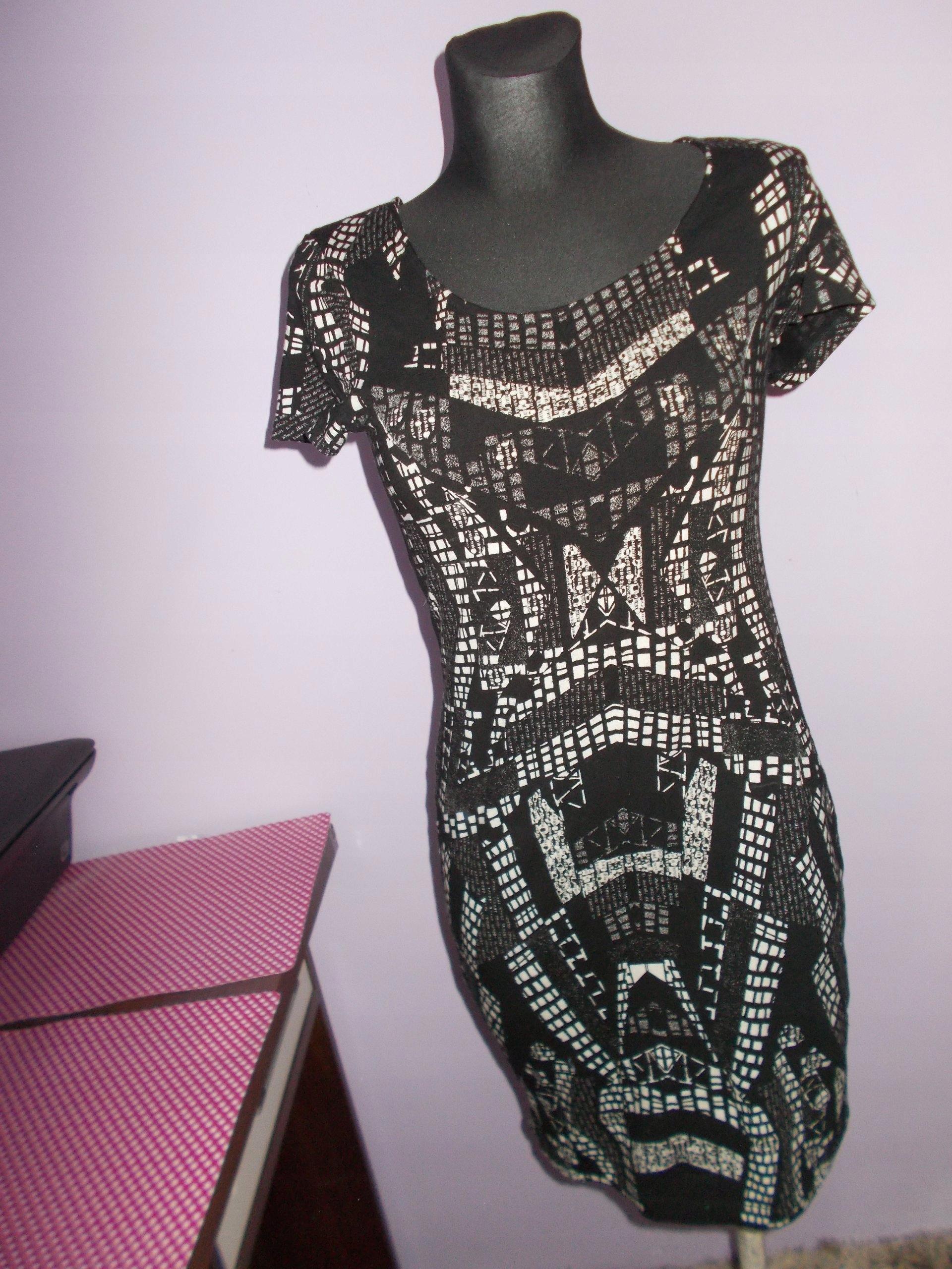 cc8fb9caaa H M sukienka wzory aztec S - 7489937508 - oficjalne archiwum allegro