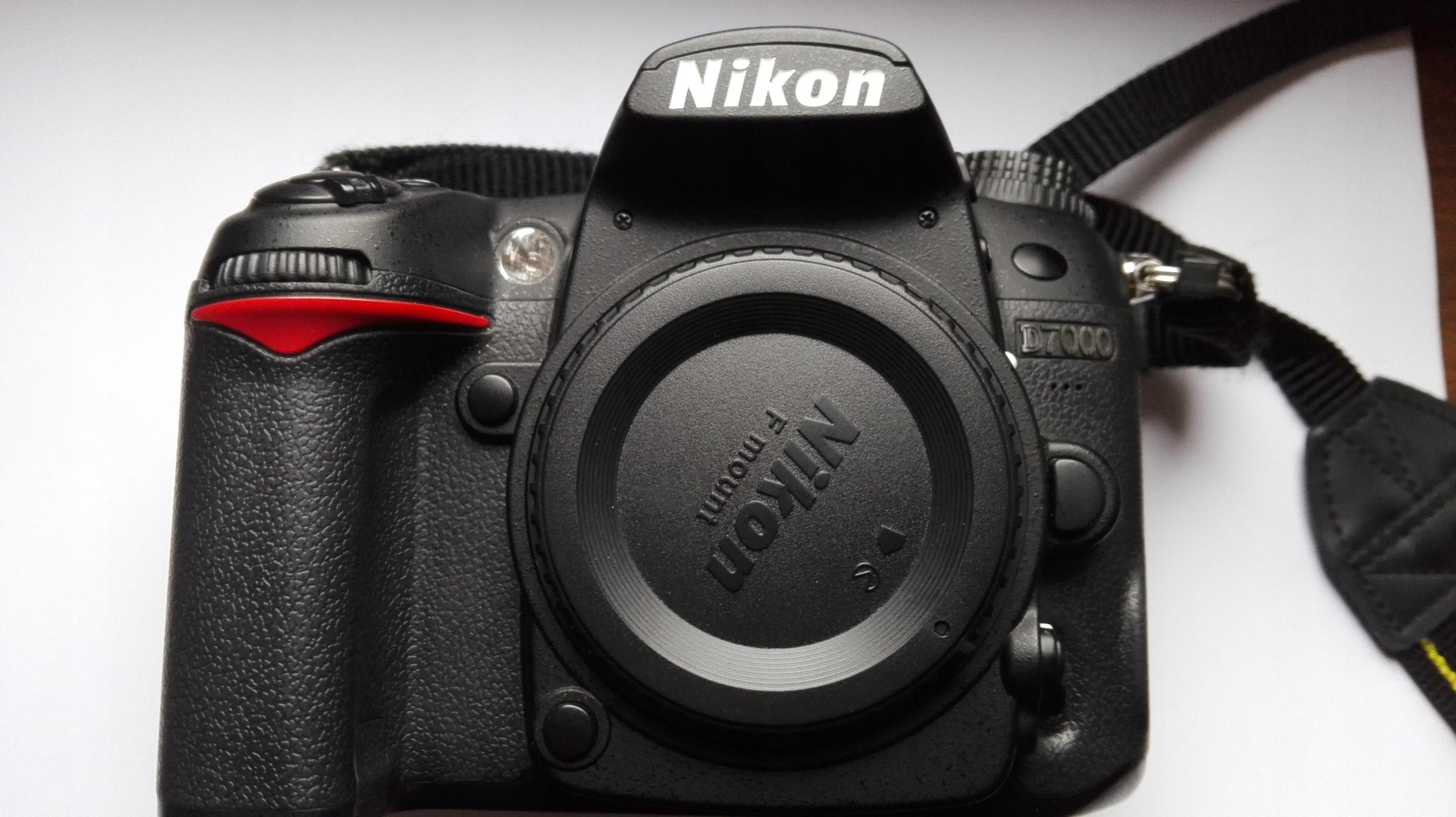 Nikon D7000 + Nikkor 35mm, AF-S, 1.8 DX + dodatki
