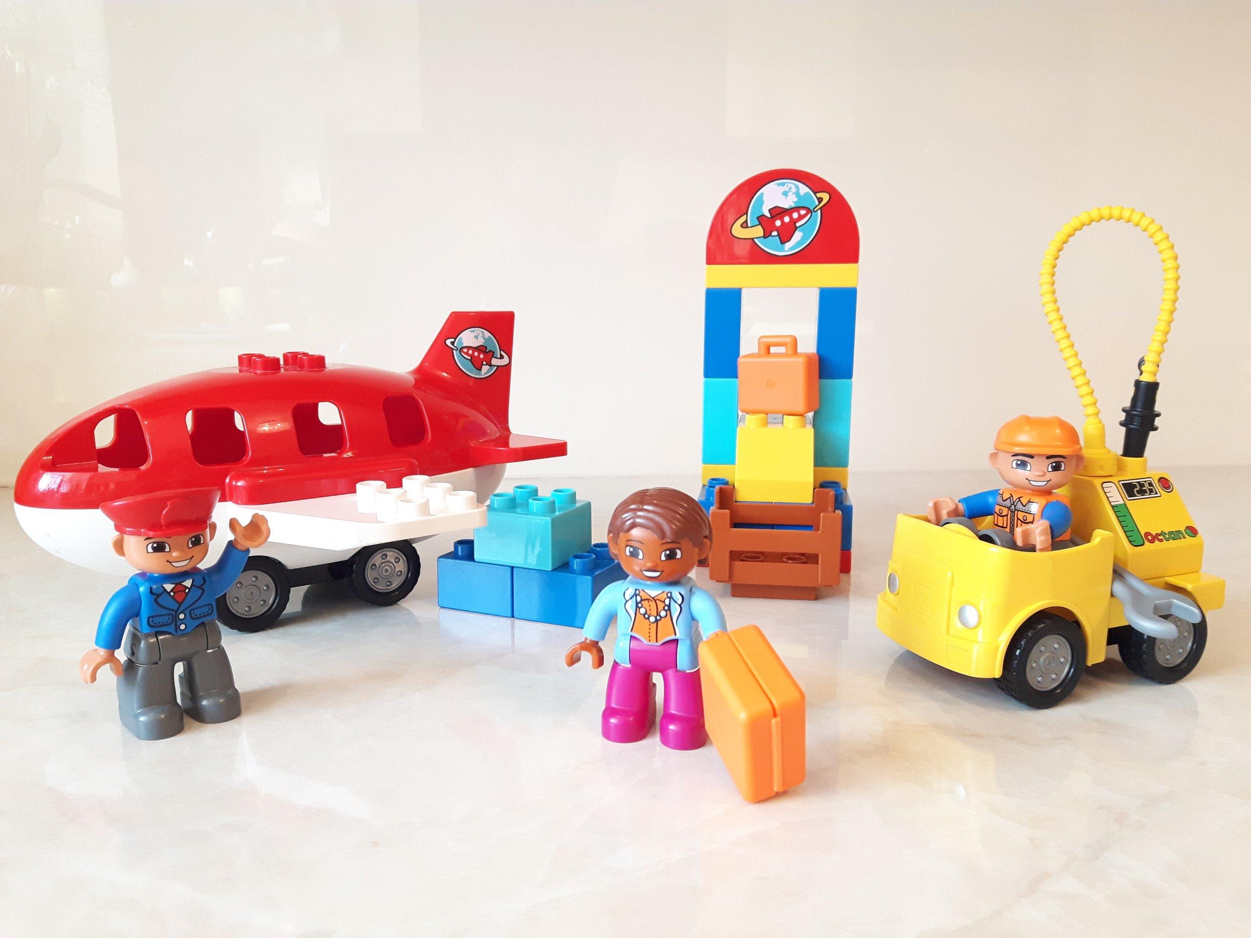 Lego Duplo 10590 Samolot Lotnisko Figurki Pilot C 7380738676
