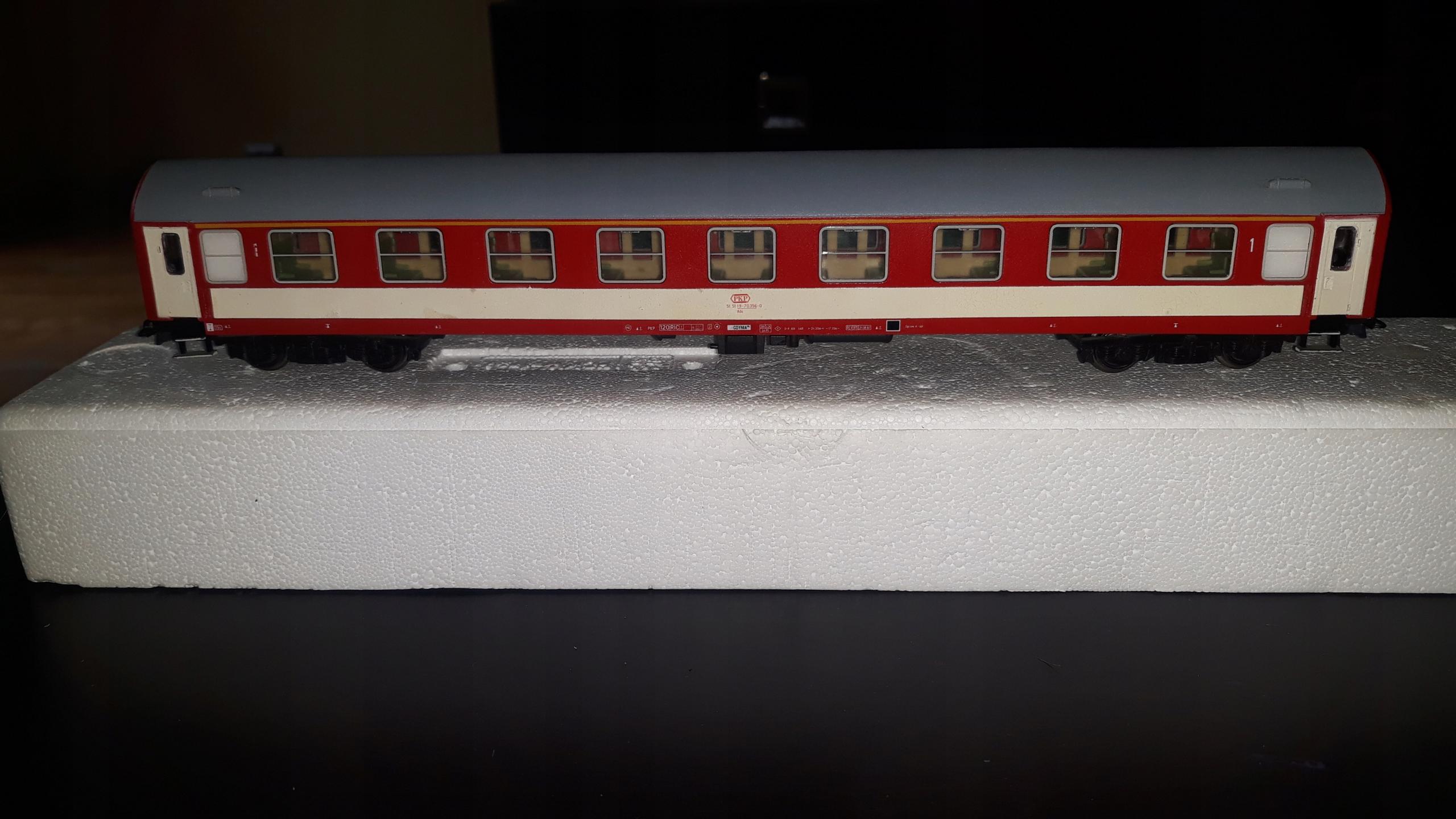 Piko Wagon pasażerski IC 1 klasa PKP ep VI