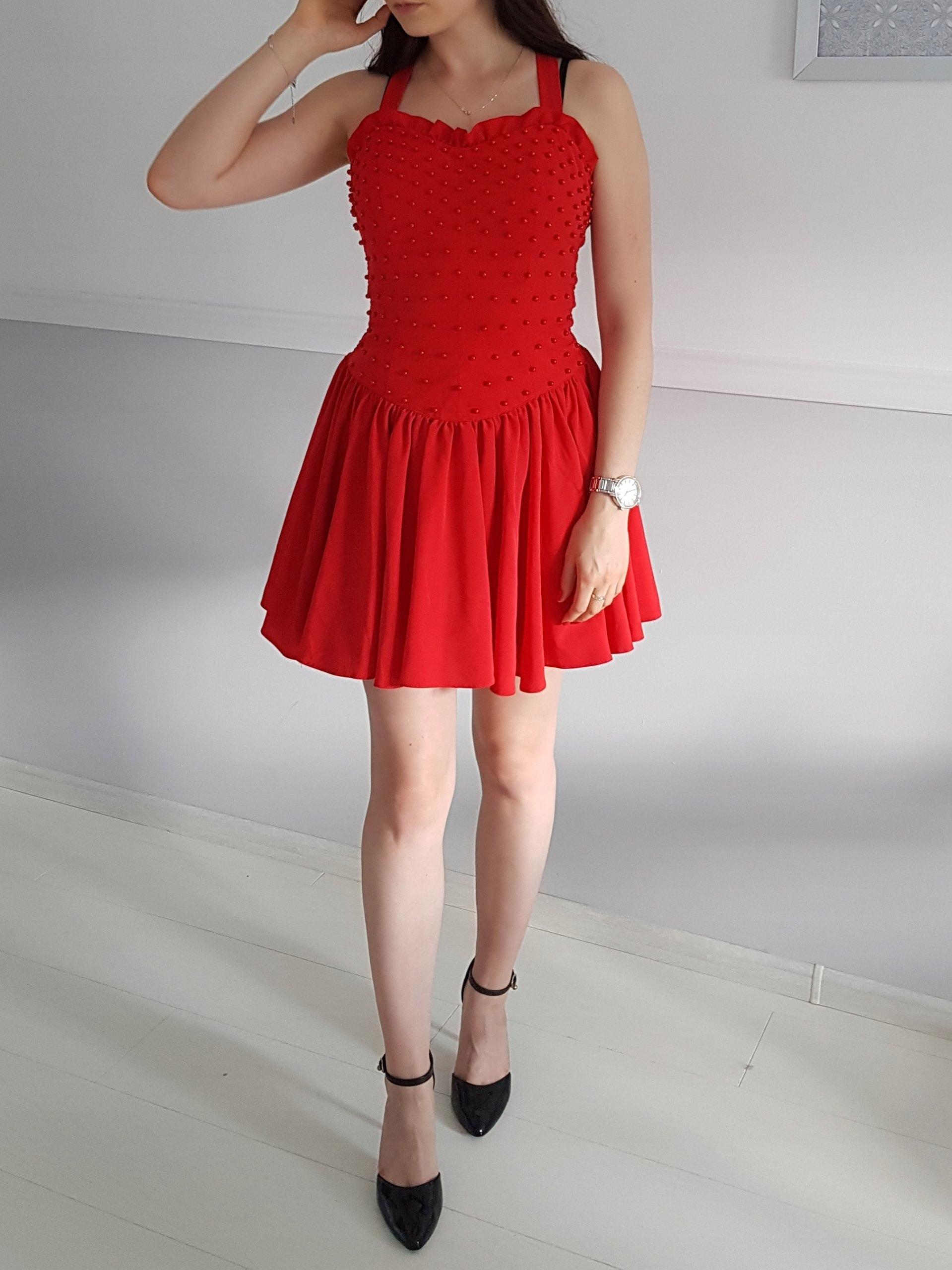 8275f63431 Czerwona sukienka