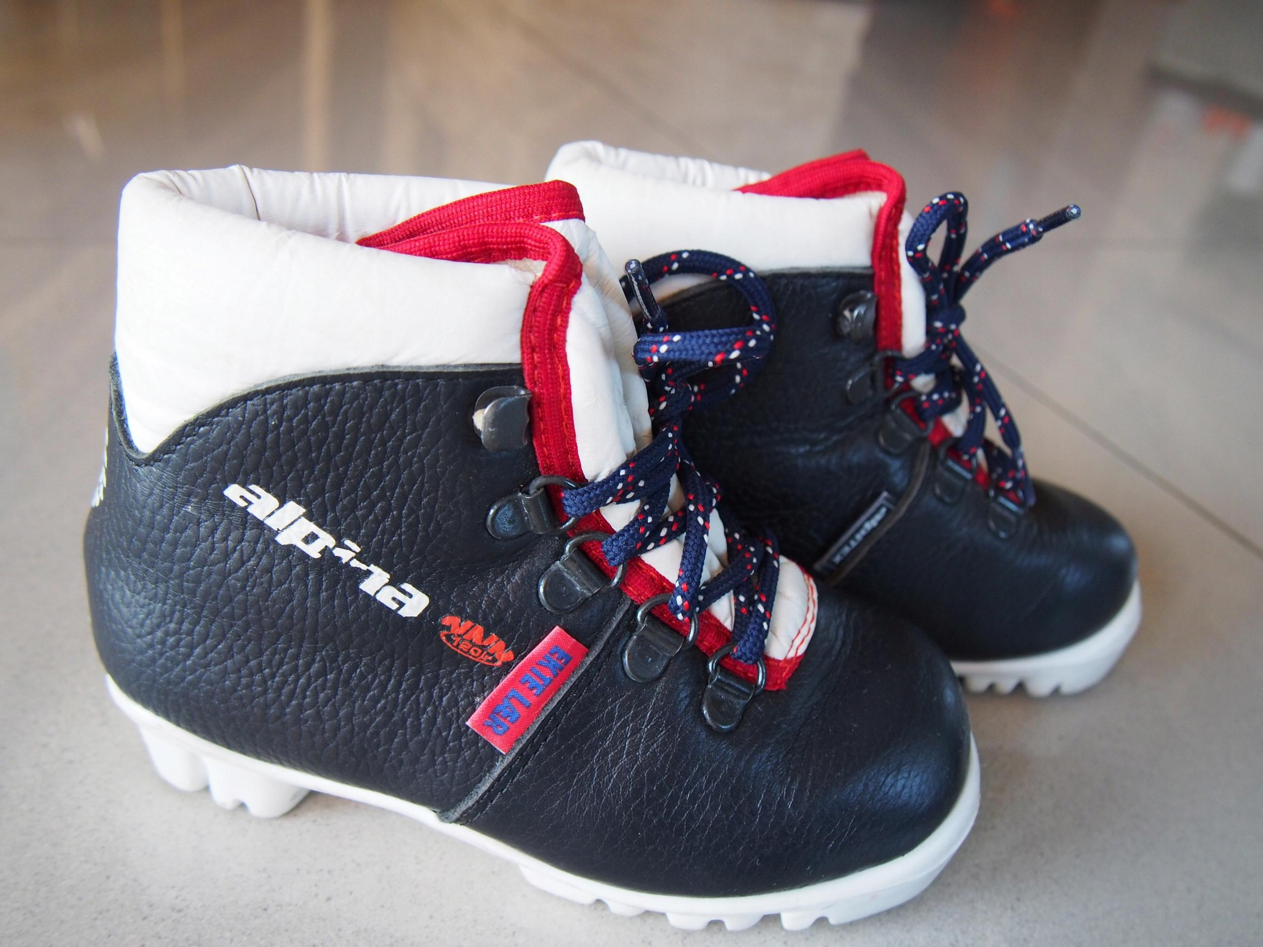 Buty do nart biegowych 28 Alpina NNN