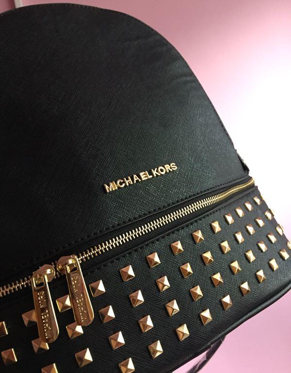55e73c2815ba7 Plecak plecaczek Michael Kors czarny złote ćwieki - 7469899303 ...