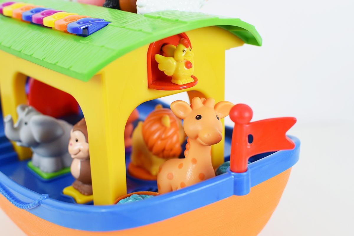 Obrázok 11 Zadný pohľad na Noemovu archu
