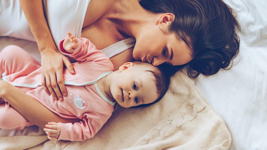 Kiedy Maluch śpi Z Rodzicami Barierki Ochronne Na łóżko