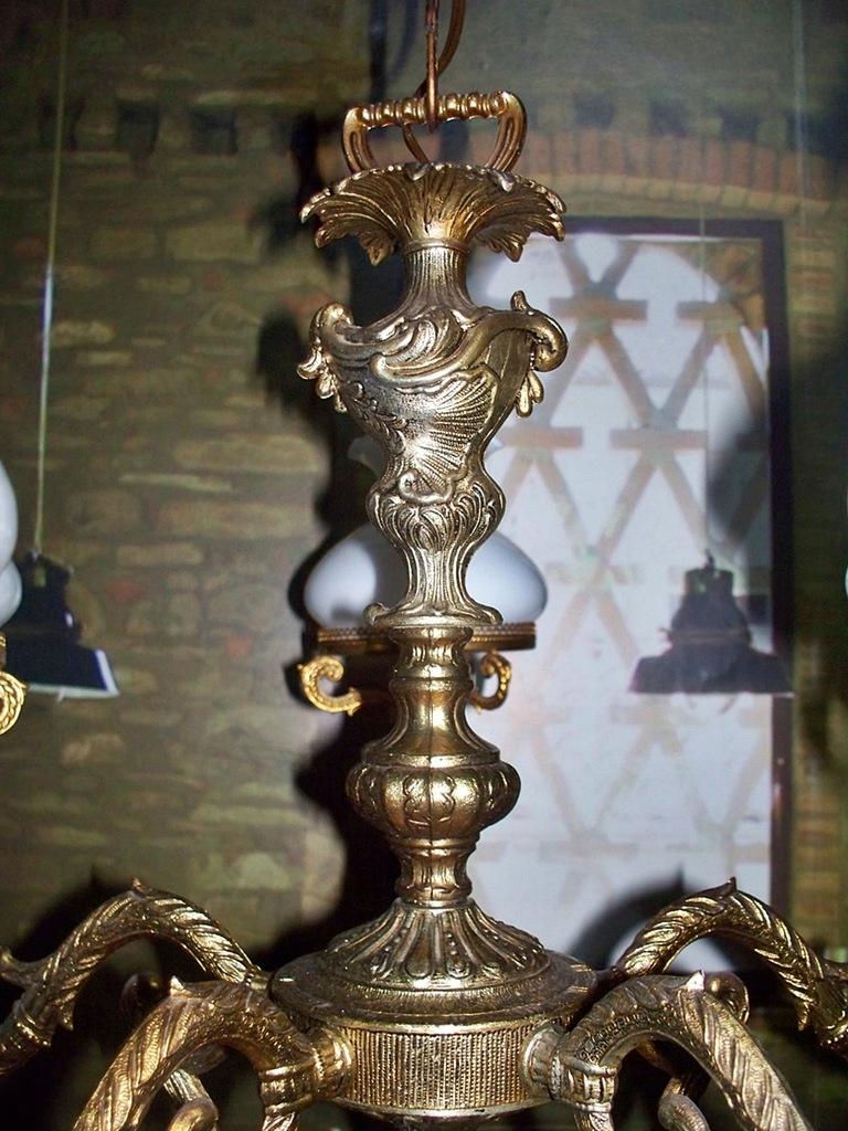 Bogato zdobiony żyrandol 5 ramienny