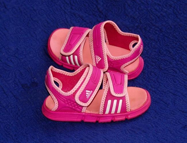 buty sportowe ADIDAS sandały 26