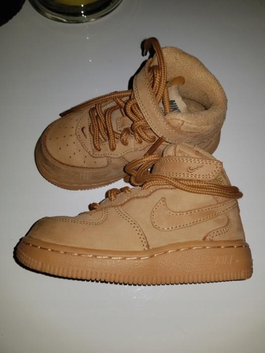 Buty chłopięce Nike Air Force 1 2018r r. 23,5