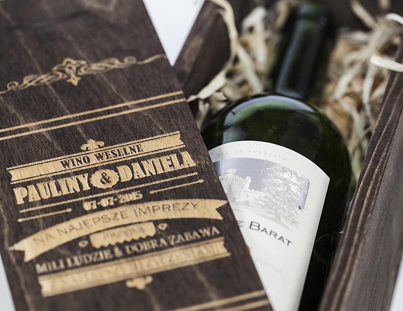 Modernistyczne skrzynka na wino prezent ślub wesele z GRAWEREM W7 NaszaPracownia.pl UV77