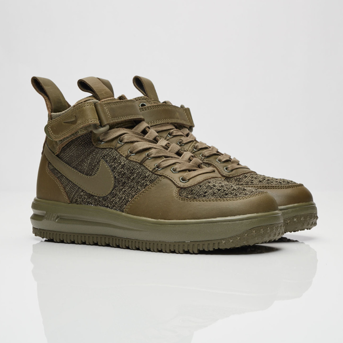 Buty NIKE Air Force 1 Lv8 (GS) 820438 206 Medium Olive