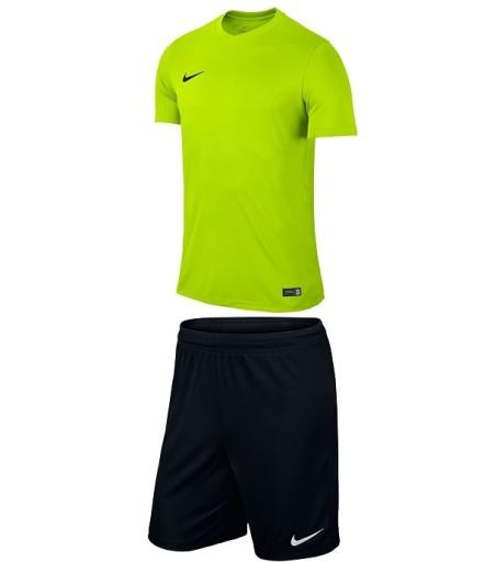 Nike Komplet Pilkarski Meski Stroj M Na Silownie 6972025981 Allegro Pl
