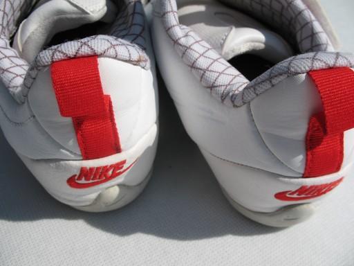 4 Buty sportowe damskie halówki rozm 38,5 *NIKE*