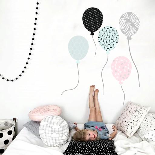 Dekoracja na ścianę balony baloniki wzorki dekor
