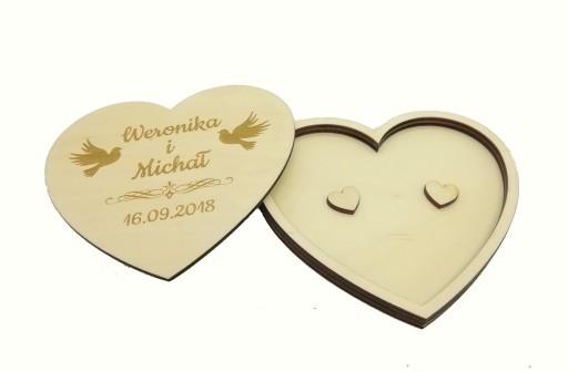 Drewniane pudełko na obrączki grawer serce ślub